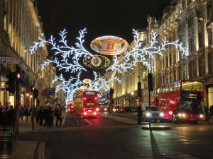 2014-12-christmas-decorations-london-uk-05