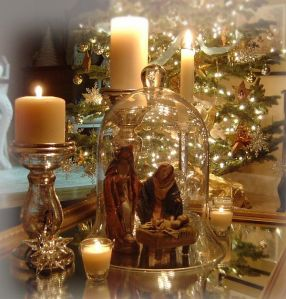Traditional-Christmas-Decorations-4