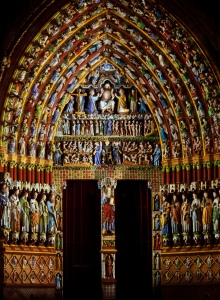amiens-cathedral-the-central-portal-colored-lighting-1